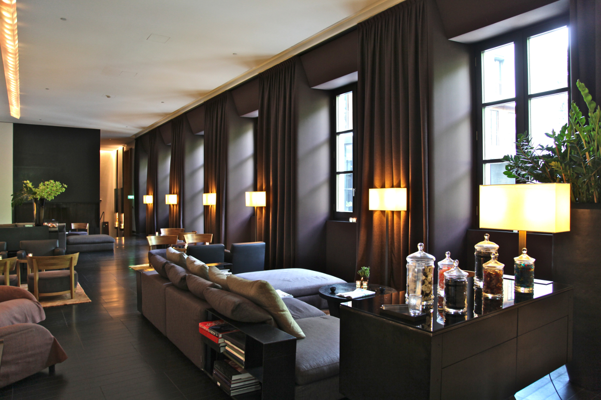 Bulgari milan the quintessence of luxury the luxe insider for Decoration villa de luxe