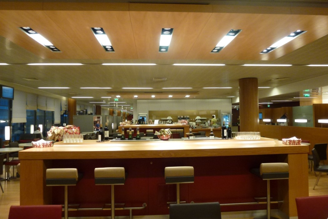 Air France Business Class lounge Paris - Snack buffet
