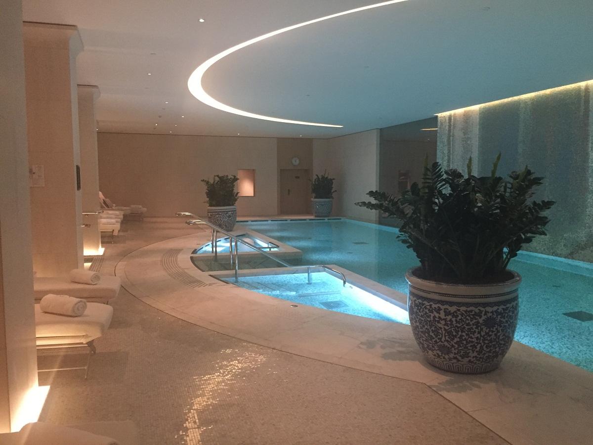 A rejuvenation journey at peninsula paris spa the luxe for Paris public pool