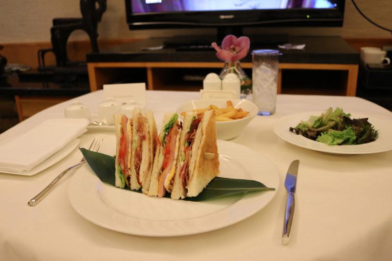 Mandarin Club by room service